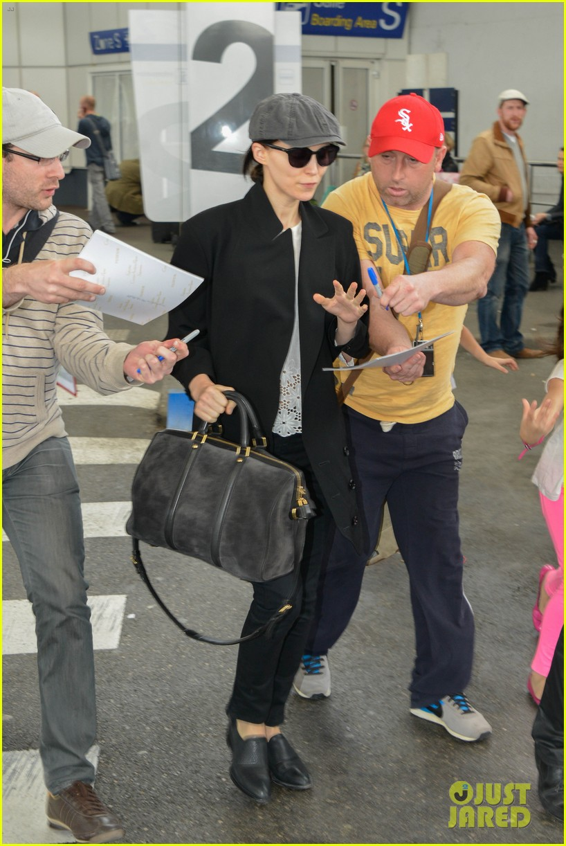 rooney mara vanessa paradis touch down for cannes 012871139