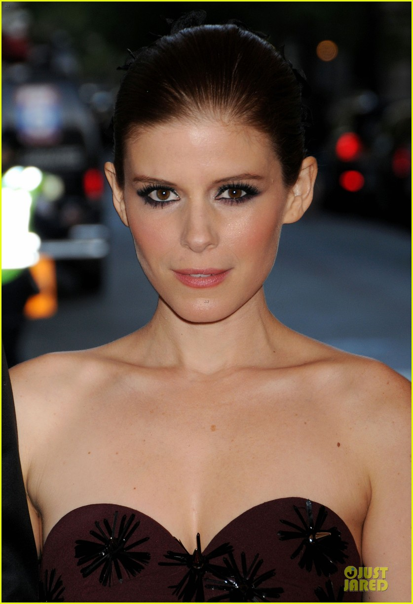 kate mara met ball 2013 red carpet 022865609