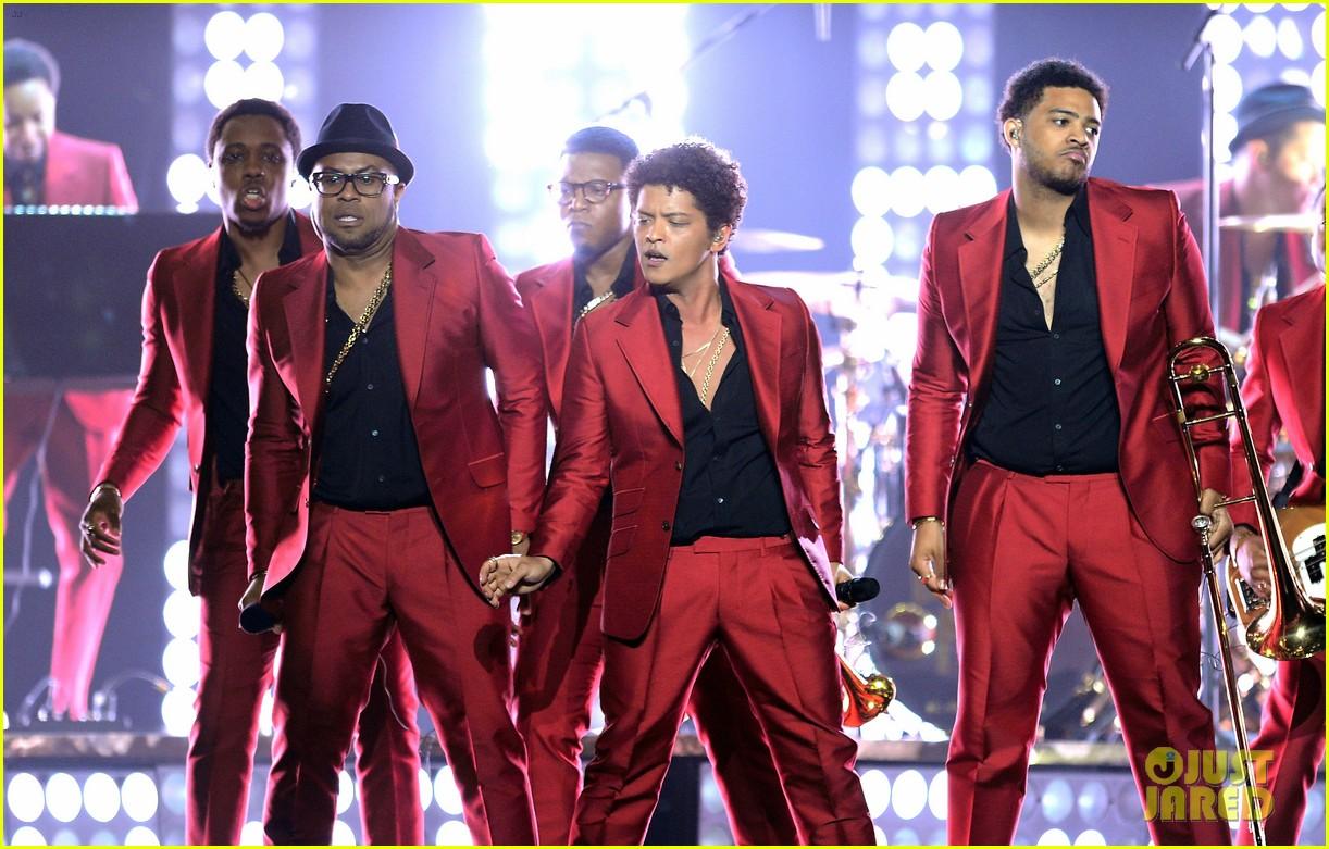 bruno mars billboard music awards 2013 performance video 122874046
