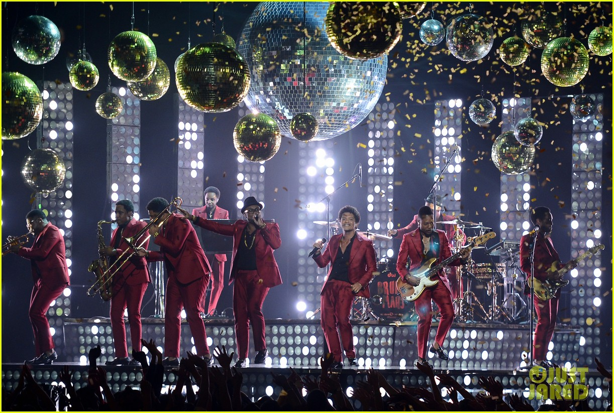 bruno mars billboard music awards 2013 performance video 132874047