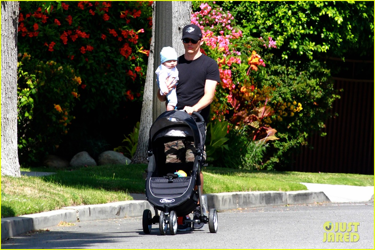 james marsden walks with son william luca 062879156