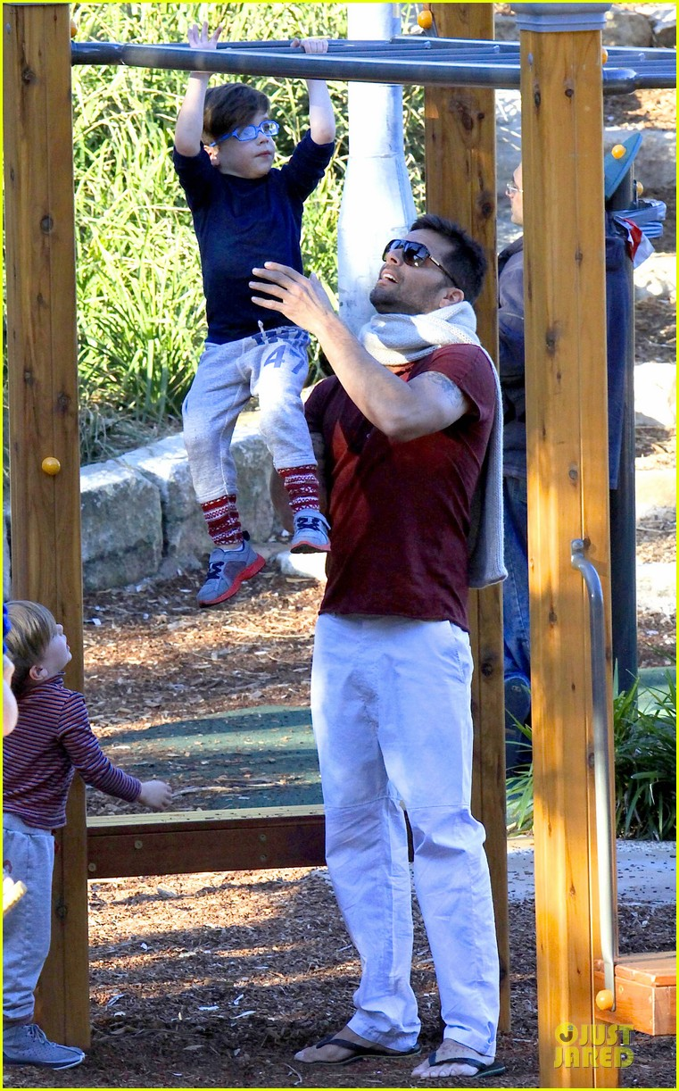 ricky martin bronte park with the twins 152875132