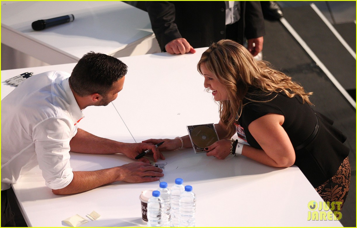 ricky martin meets fans at greatest hits event in australia 062867596