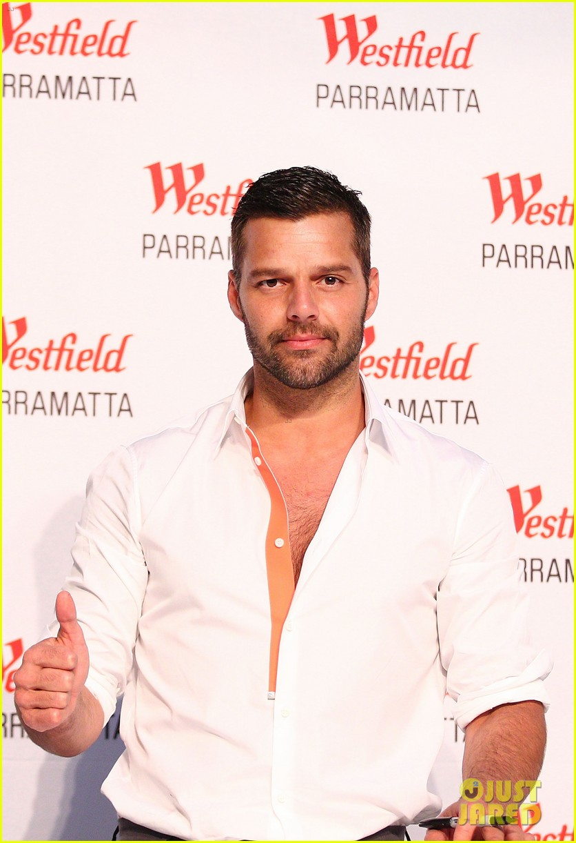ricky martin meets fans at greatest hits event in australia 09