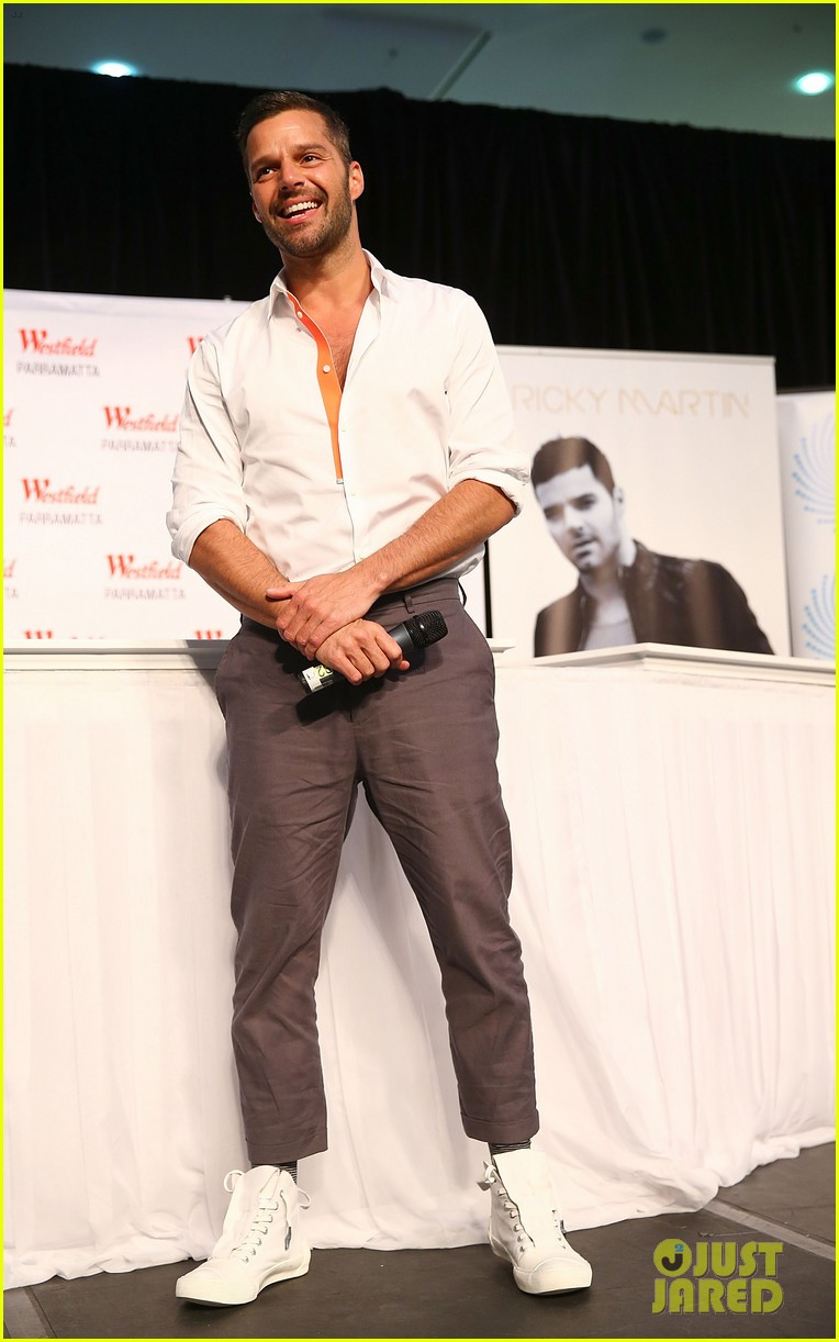 ricky martin meets fans at greatest hits event in australia 11