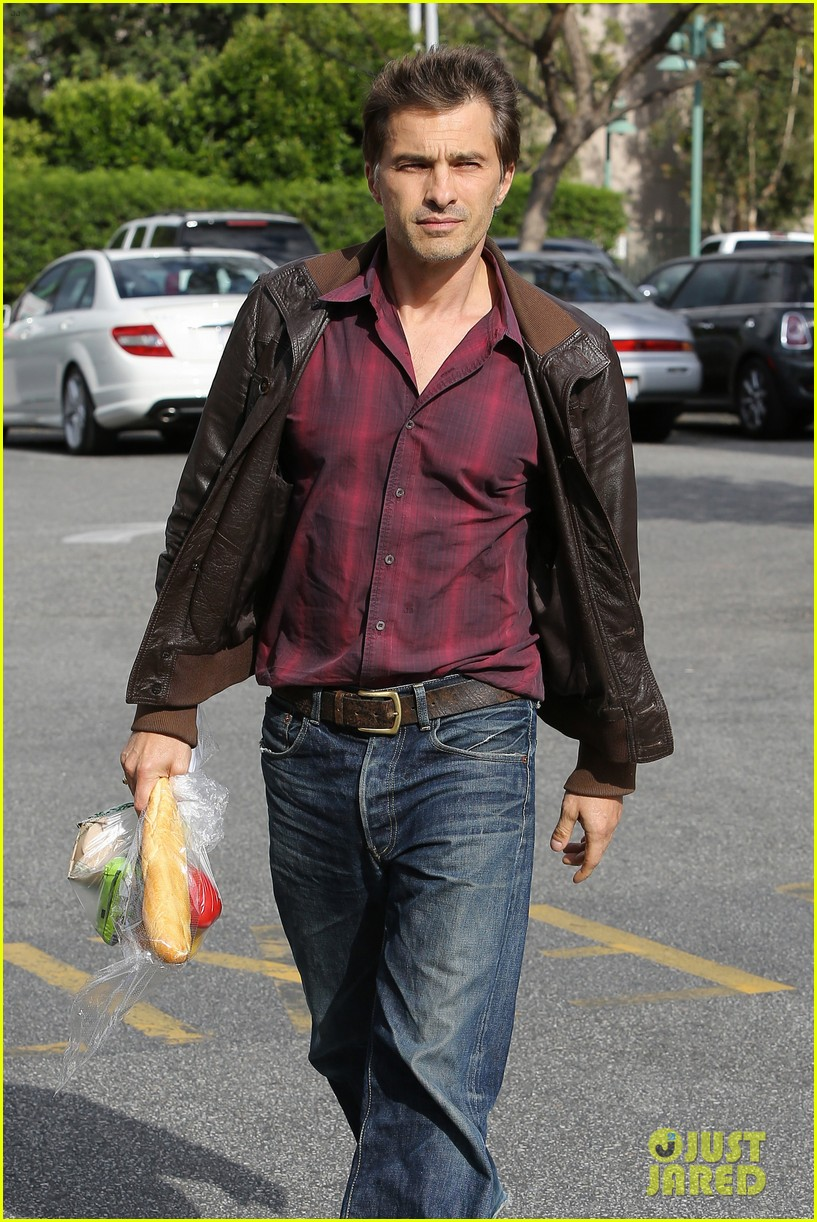 olivier martinez bristol farms snack 022865858