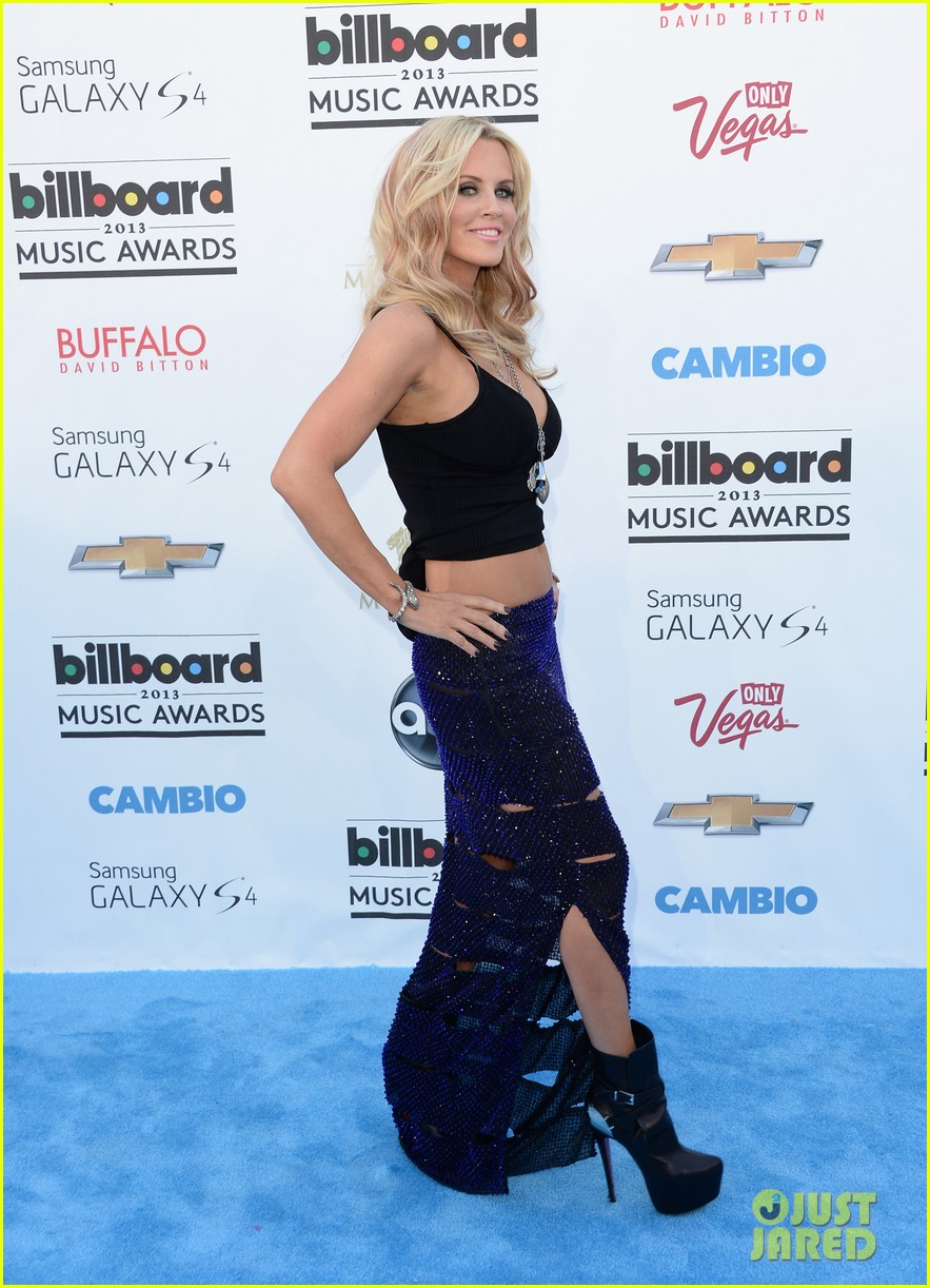 jenny mccarthy alyssa milano billboard music awards 2013 red carpet 012874129