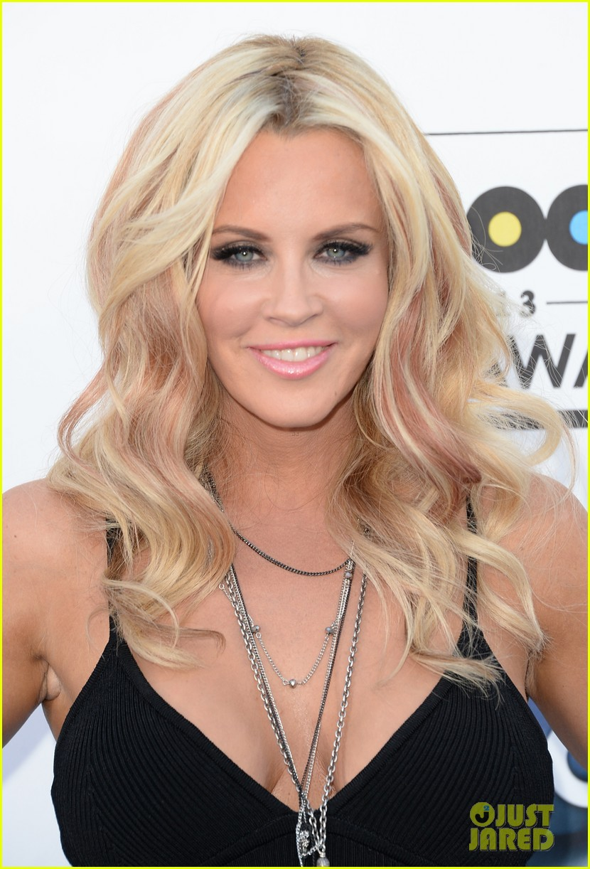 jenny mccarthy alyssa milano billboard music awards 2013 red carpet 02