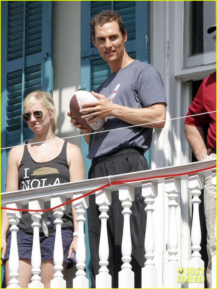 matthew mcconaughey amazing race event with drew brees 182873152