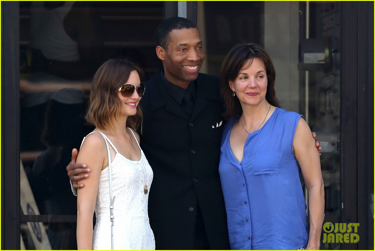 leighton meester mothers day with gossip girl mom 062869715