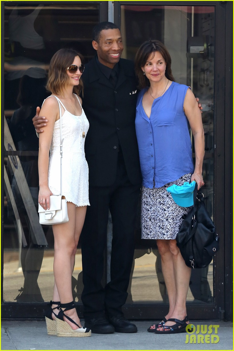 leighton meester mothers day with gossip girl mom 092869718