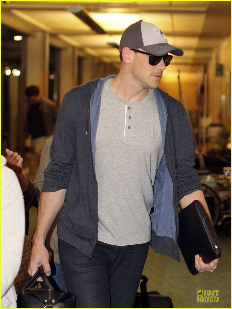 lea michele cory monteith vancouver departing couple 072863477