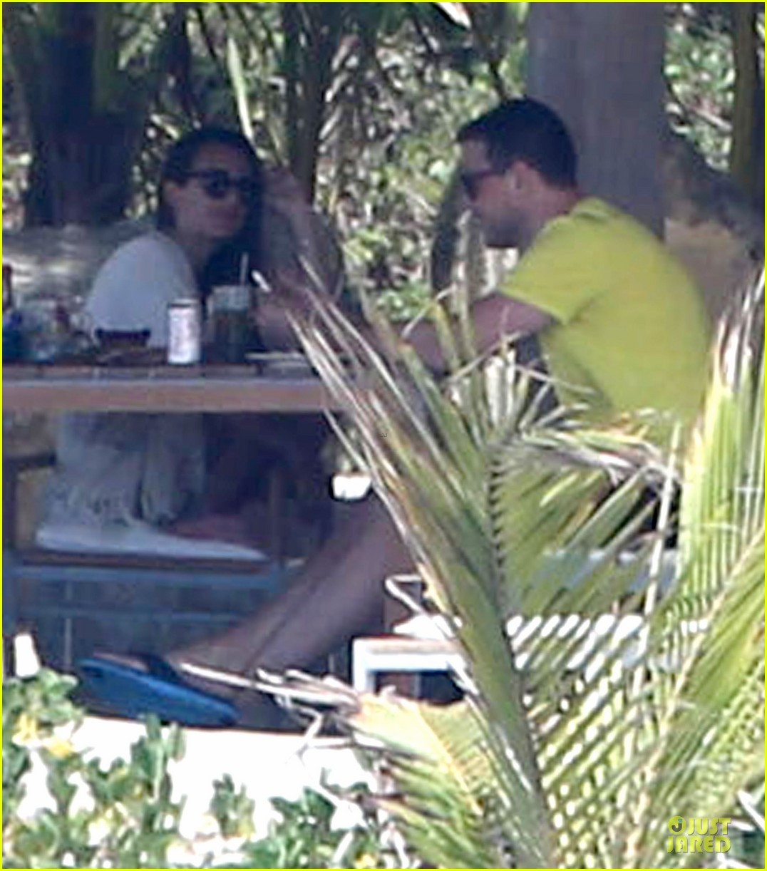 lea michele cory monteith beach lunch in mexico 012866179