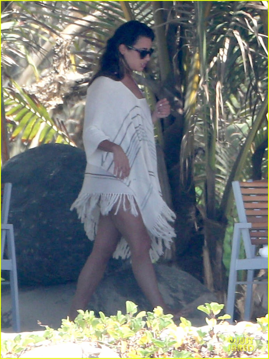 lea michele cory monteith beach lunch in mexico 052866183