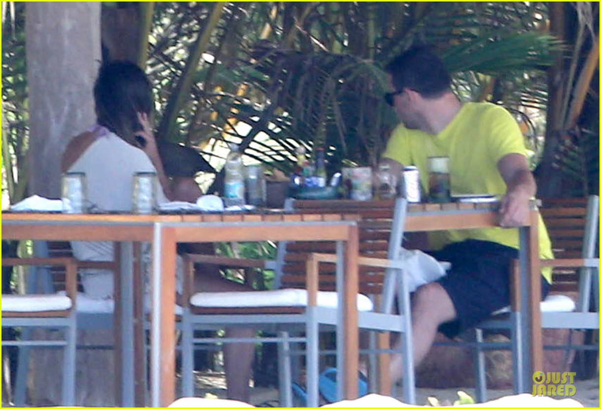 lea michele cory monteith beach lunch in mexico 072866185