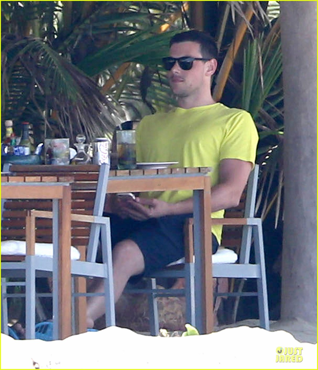 lea michele cory monteith beach lunch in mexico 112866189