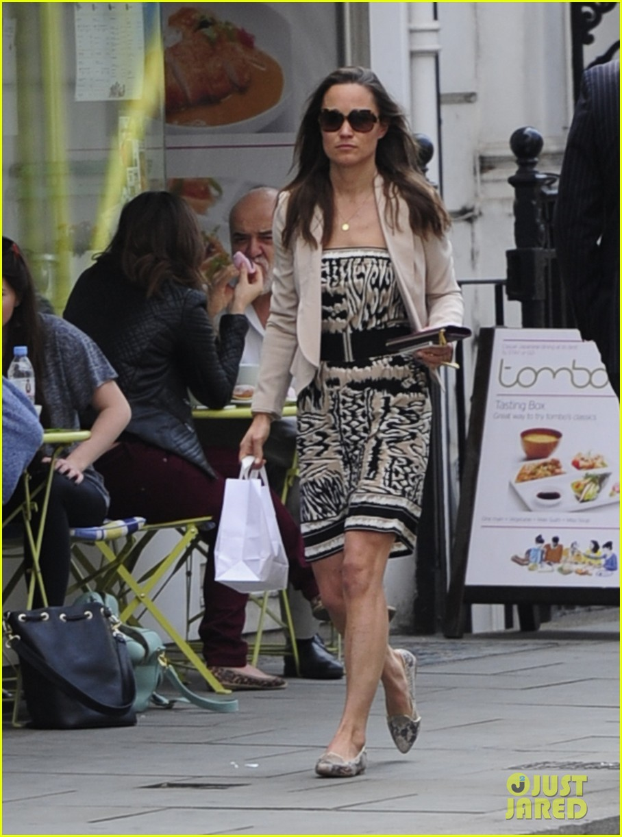 pippa middleton goes casual chic in london 052867238