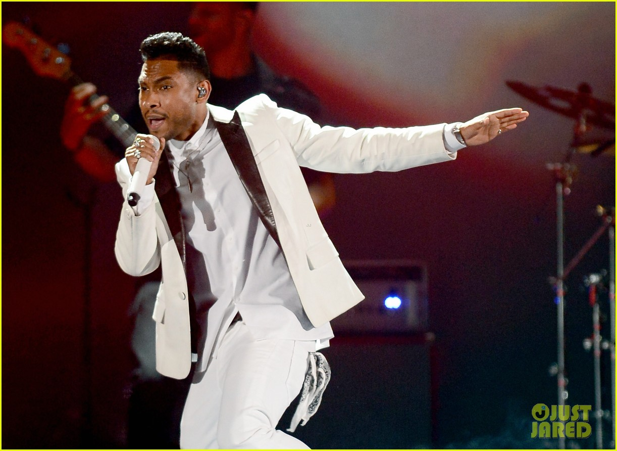 miguel billboard music awards 2013 performance video 012874248