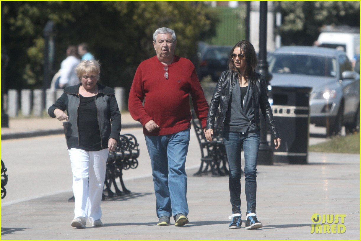 mila kunis takes a london stroll with her parents 01