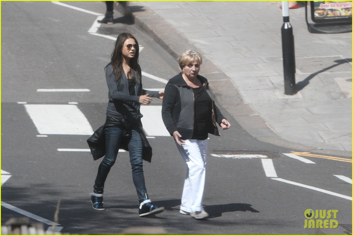 mila kunis takes a london stroll with her parents 10