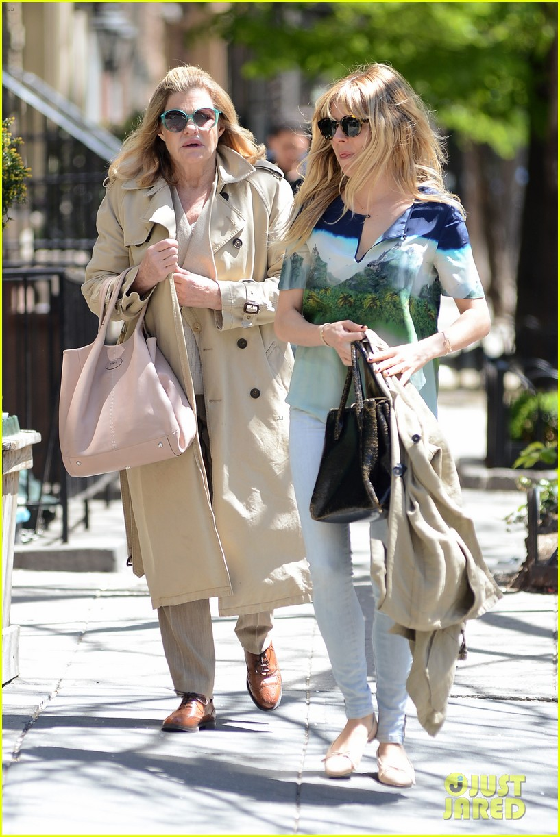 sienna miller lunches with mom tom sturridge is a tony nom 162862158