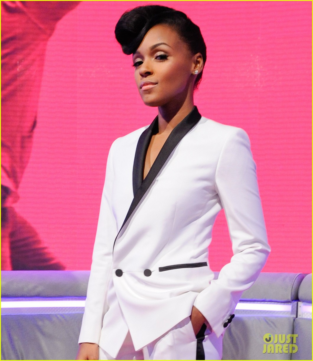 janelle monae q u e e n video premiere watch now 042862315