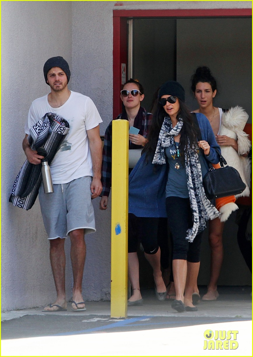 demi moore rumer willis leave yoga class together 092871011