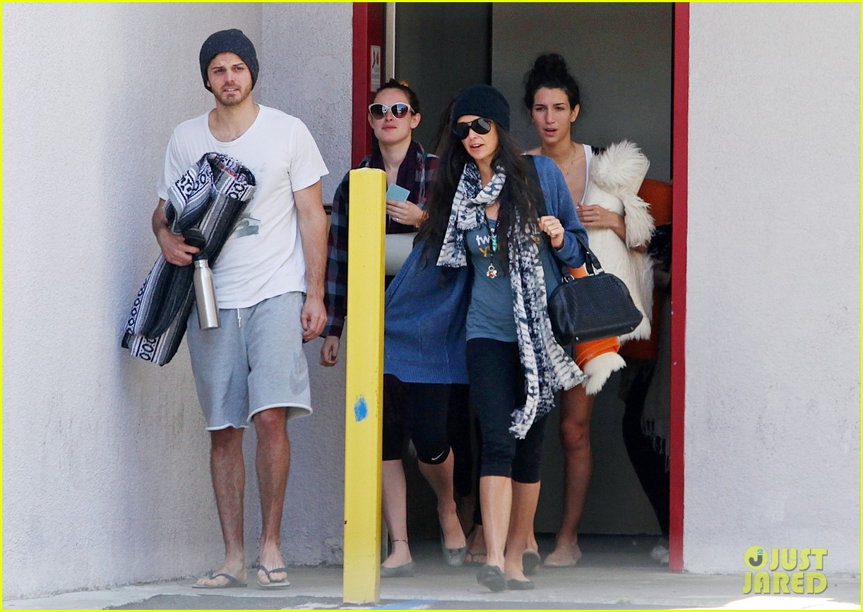 demi moore rumer willis leave yoga class together 102871012
