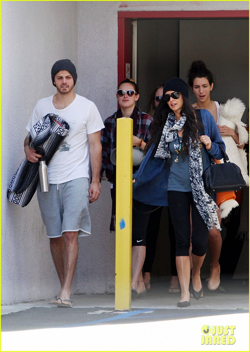 demi moore rumer willis leave yoga class together 122871014