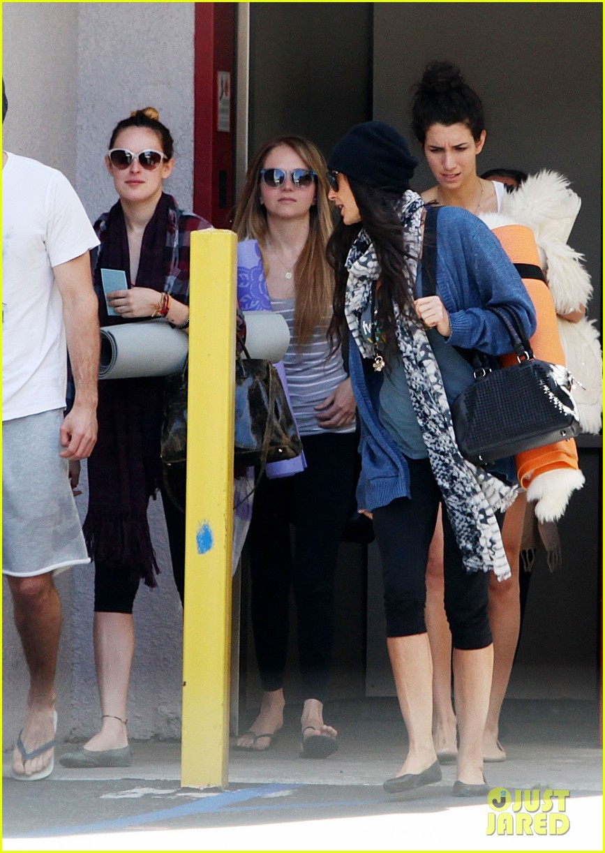 demi moore rumer willis leave yoga class together 152871017