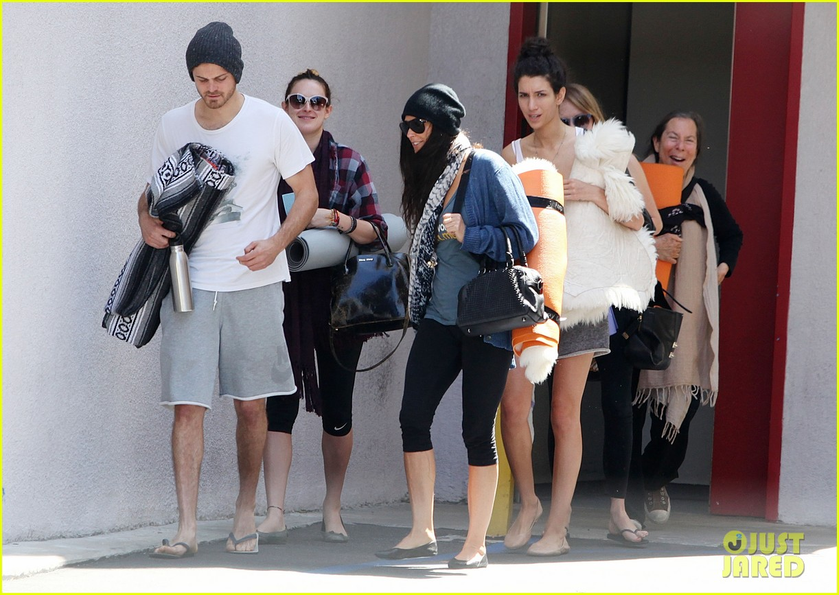 demi moore rumer willis leave yoga class together 202871022