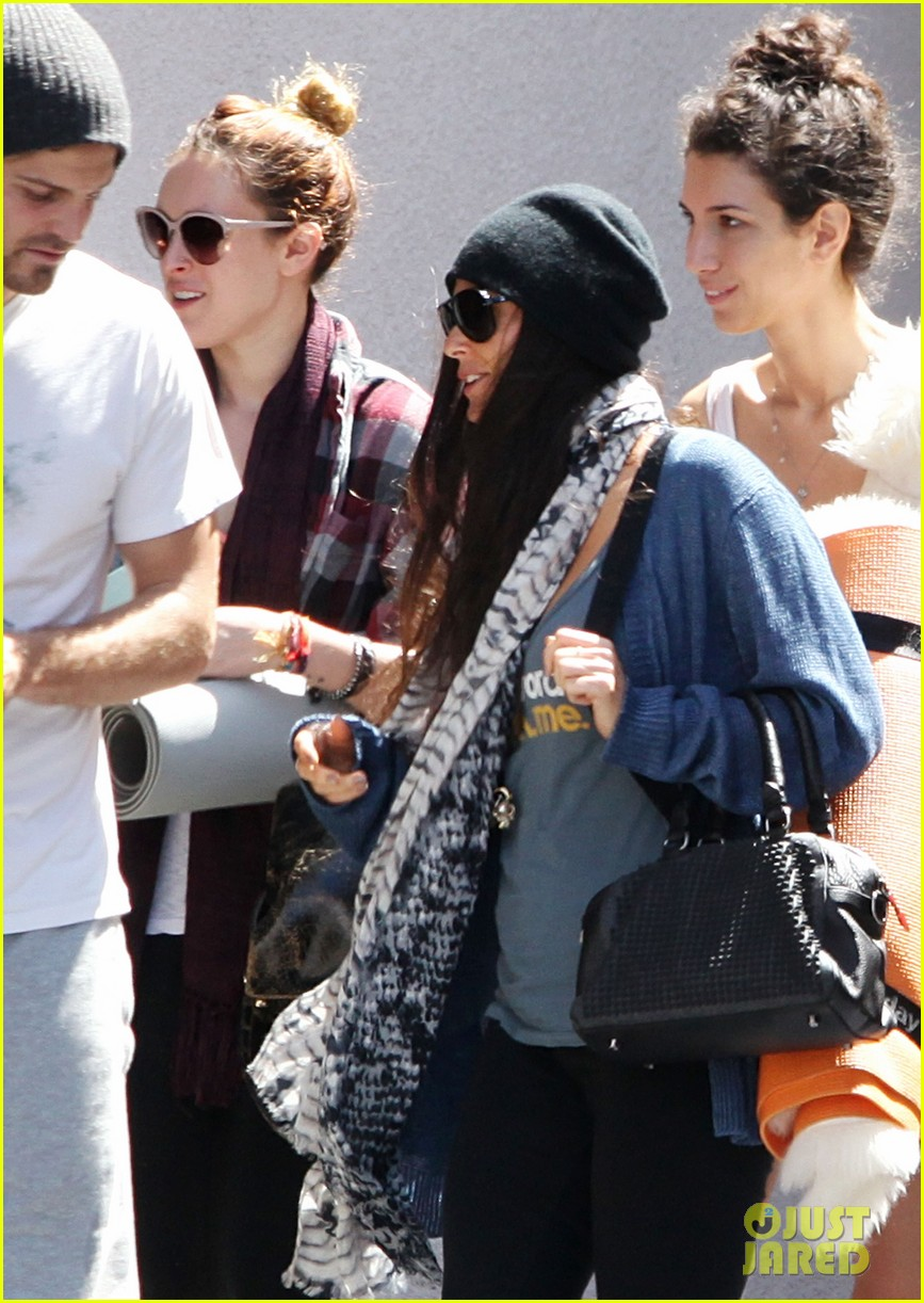 demi moore rumer willis leave yoga class together 252871027