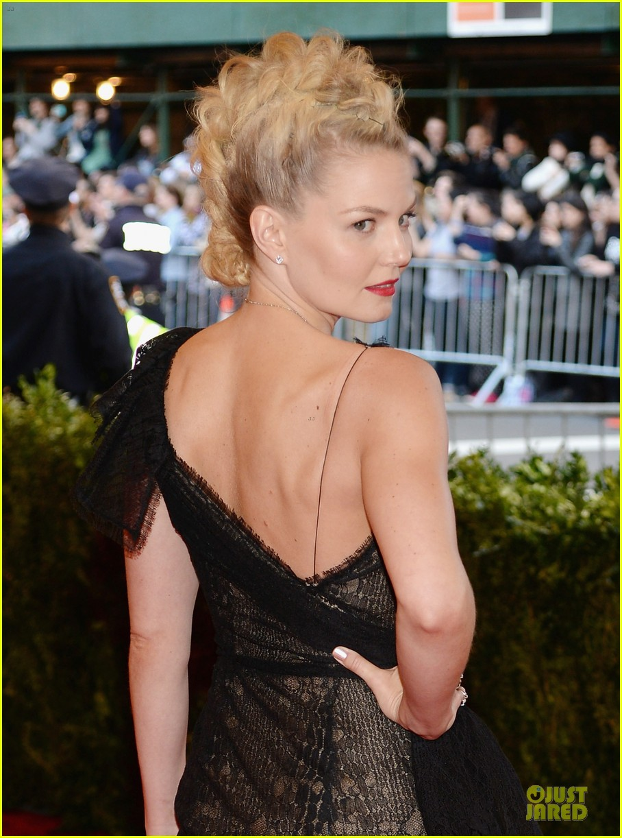 jennifer morrison met ball 2013 red carpet 042865063