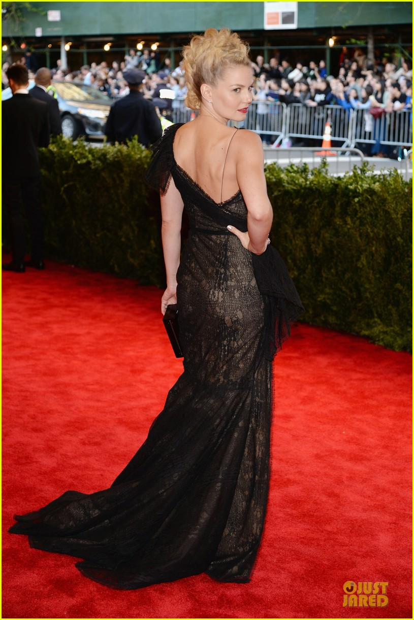 jennifer morrison met ball 2013 red carpet 052865064