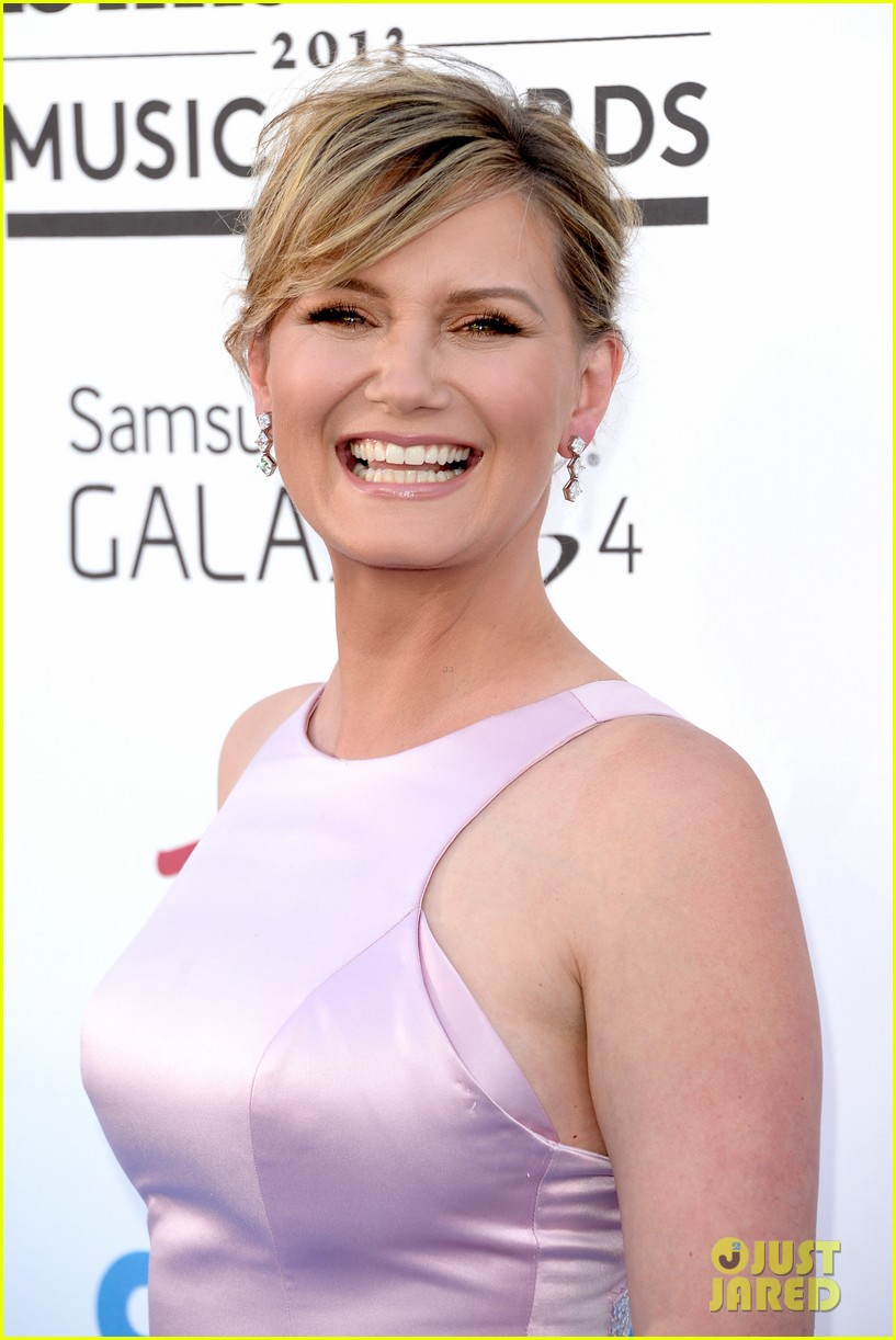 jennifer nettles billboard music awards 2013 red carpet 022873975