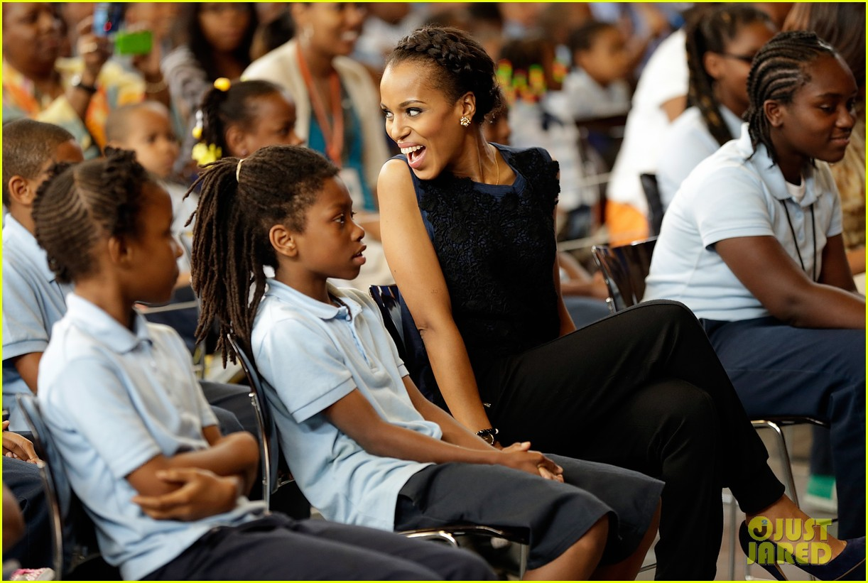 michelle obama kerry washington exercise with savoy school students 052877496