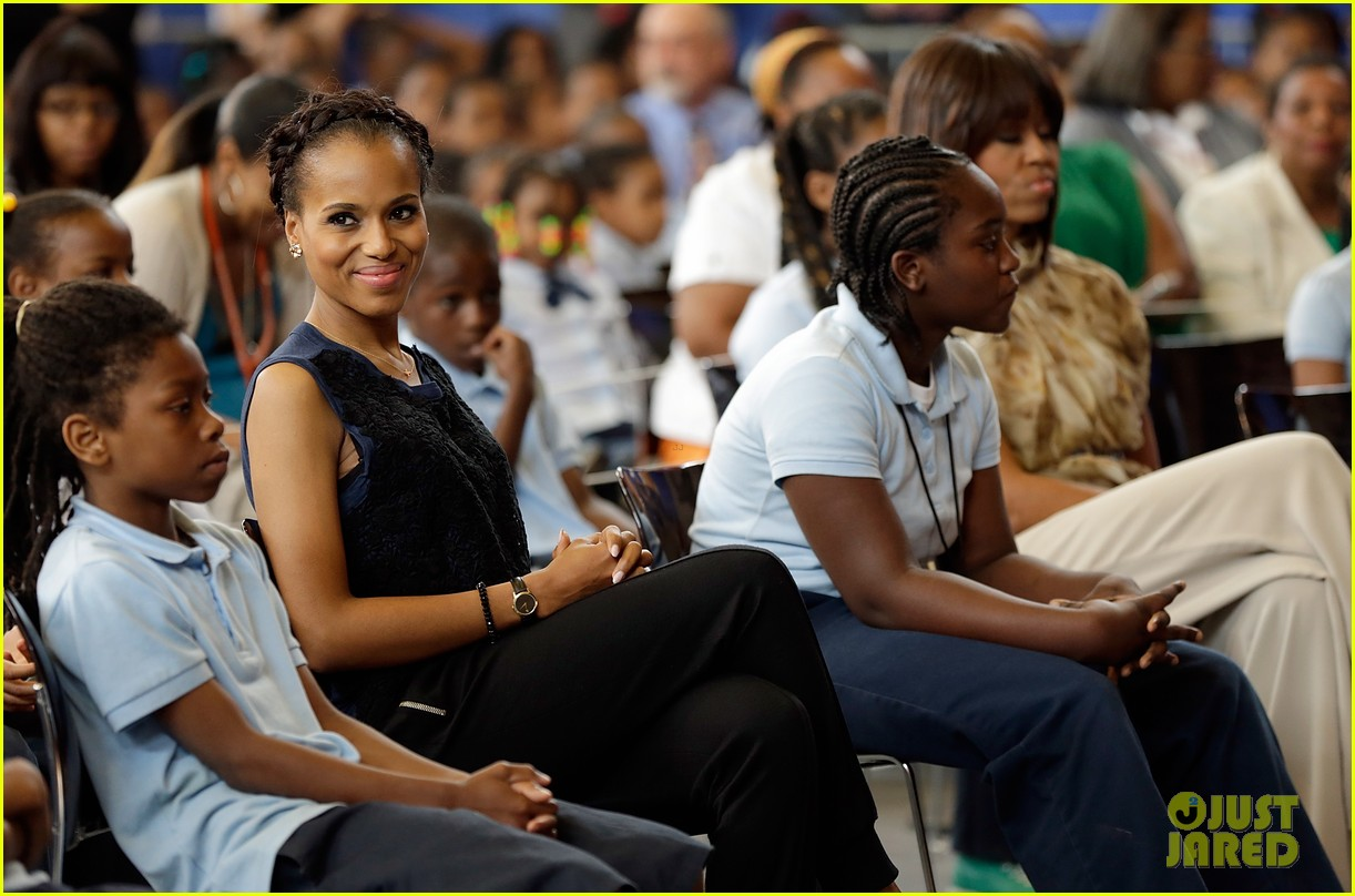 michelle obama kerry washington exercise with savoy school students 152877506