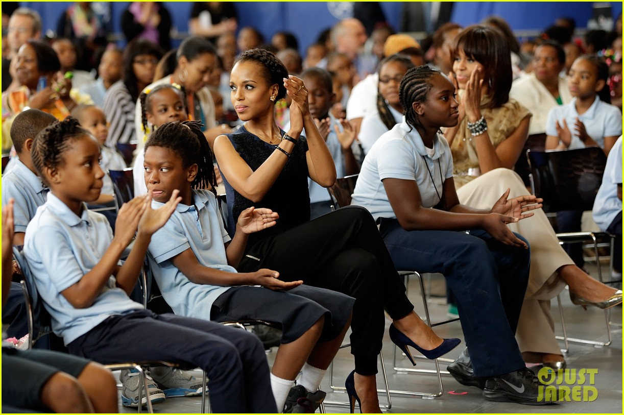 michelle obama kerry washington exercise with savoy school students 21