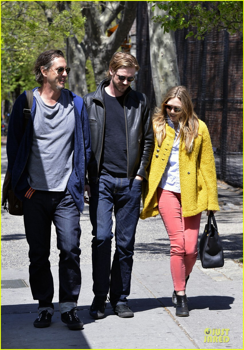 elizabeth mary kate olsen separate outings with boyfriends 11