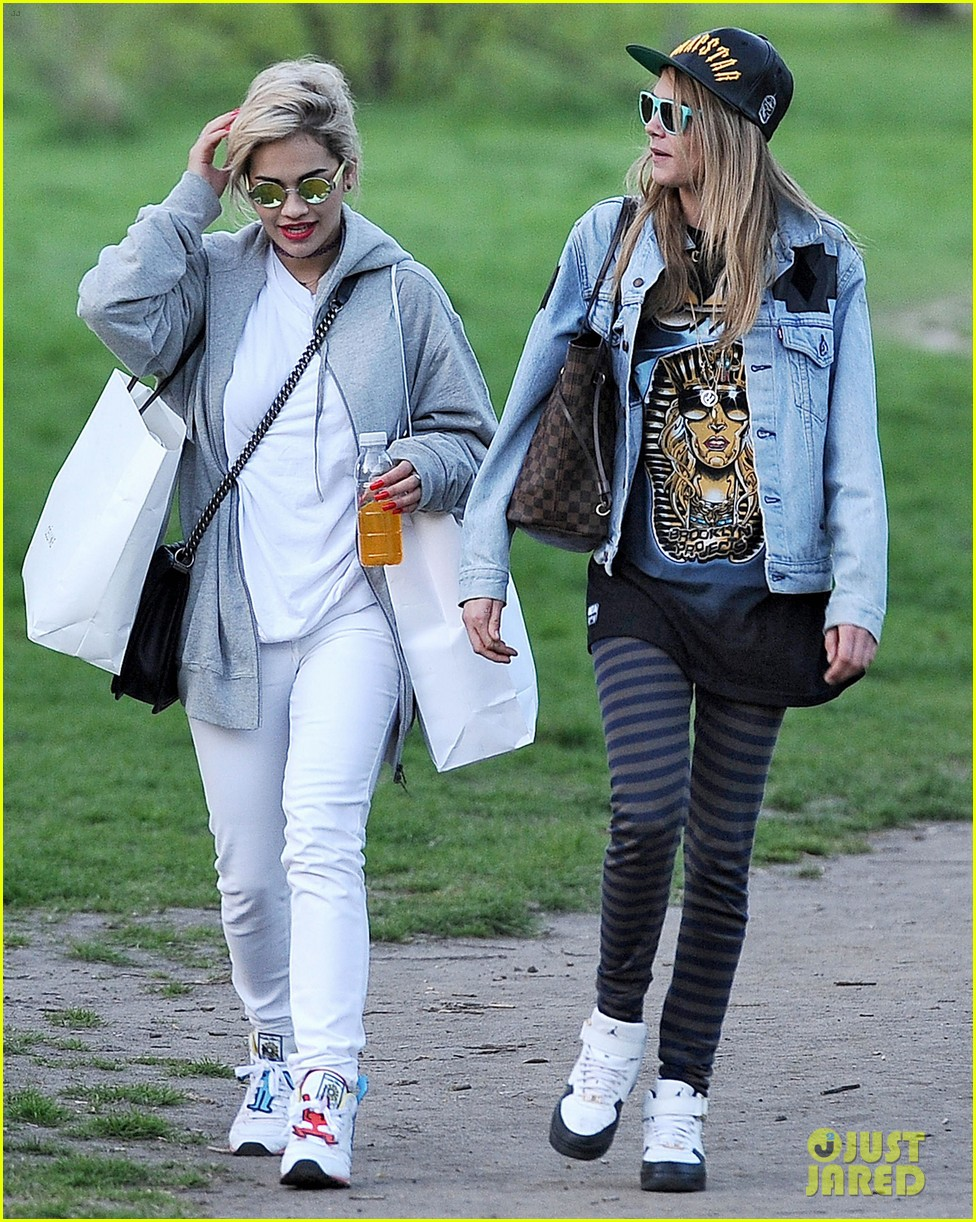 rita ora launches collection hangs with cara delevingne 032862623