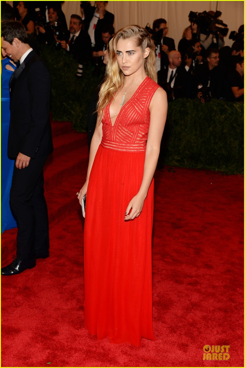teresa palmer met ball 2013 red carpet 012865786