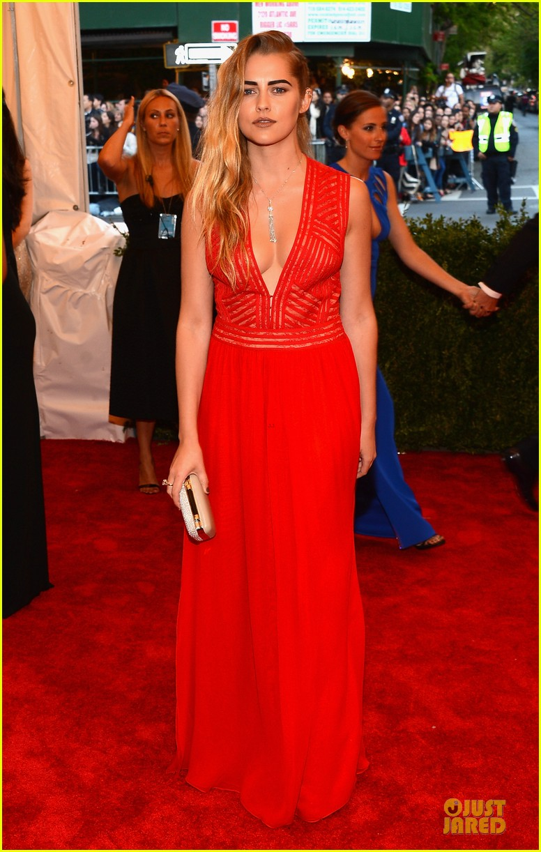 teresa palmer met ball 2013 red carpet 042865789