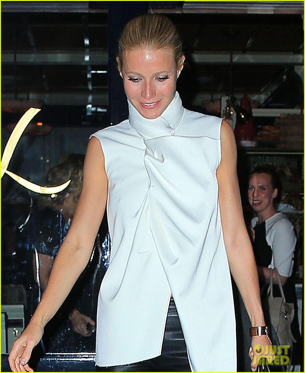 gwyneth paltrow top picks up gust of wind in nyc 022867009