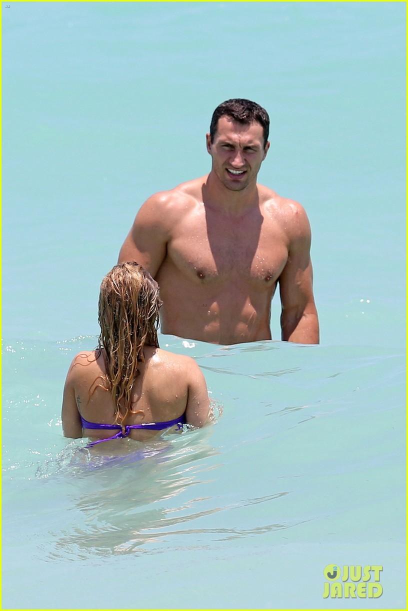 hayden panettiere miami bikini babe with wladimir klitschko 032869536