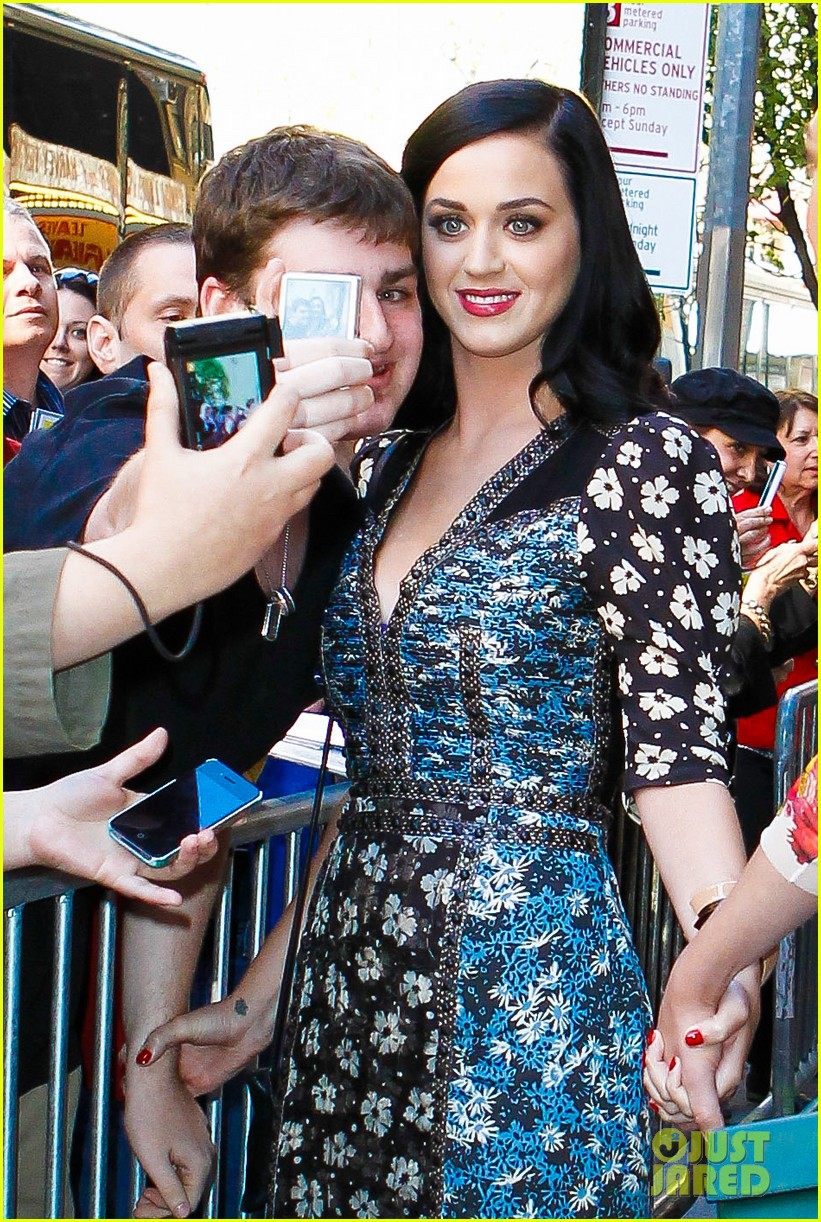 katy perry delete cancer gala kinky boots visit 042862074