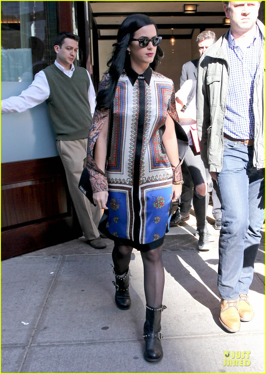 katy perry nyc hotel exit after killer queen unveiling 072863116