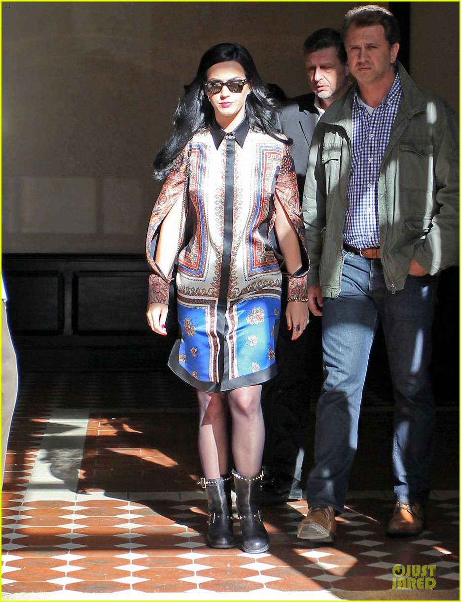 katy perry nyc hotel exit after killer queen unveiling 132863122