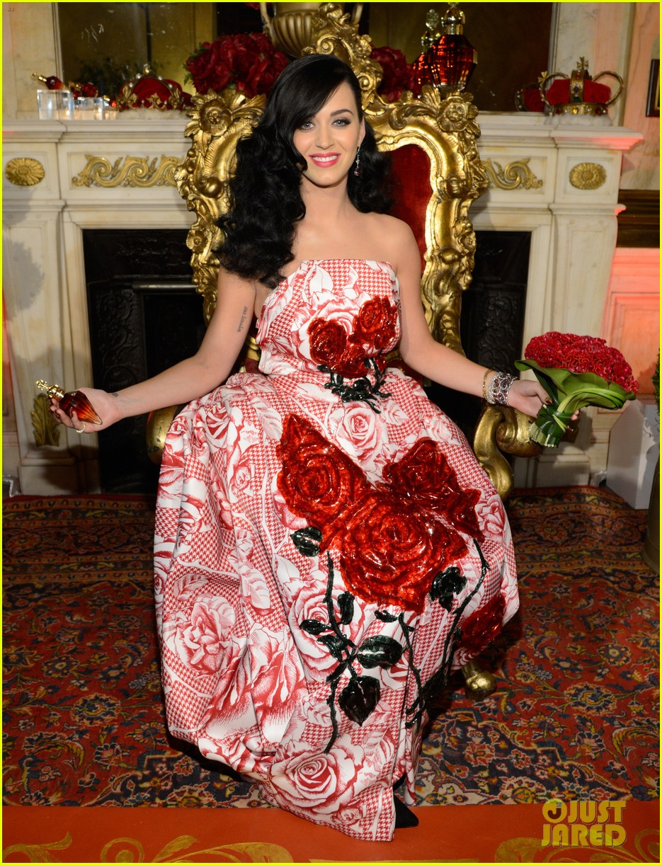 katy perry is the killer queen at third fragrance unveiling 022862760