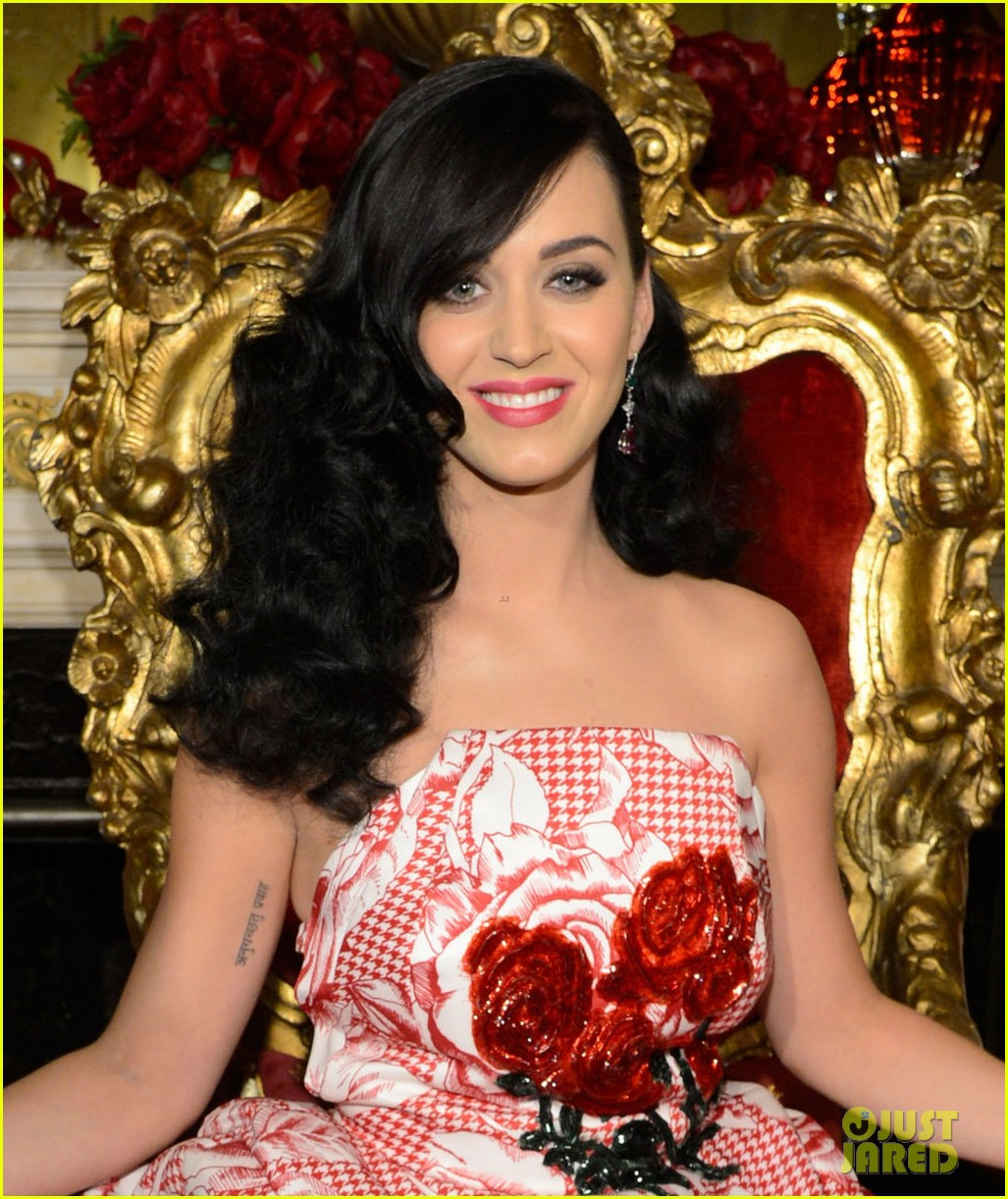 katy perry is the killer queen at third fragrance unveiling 052862763