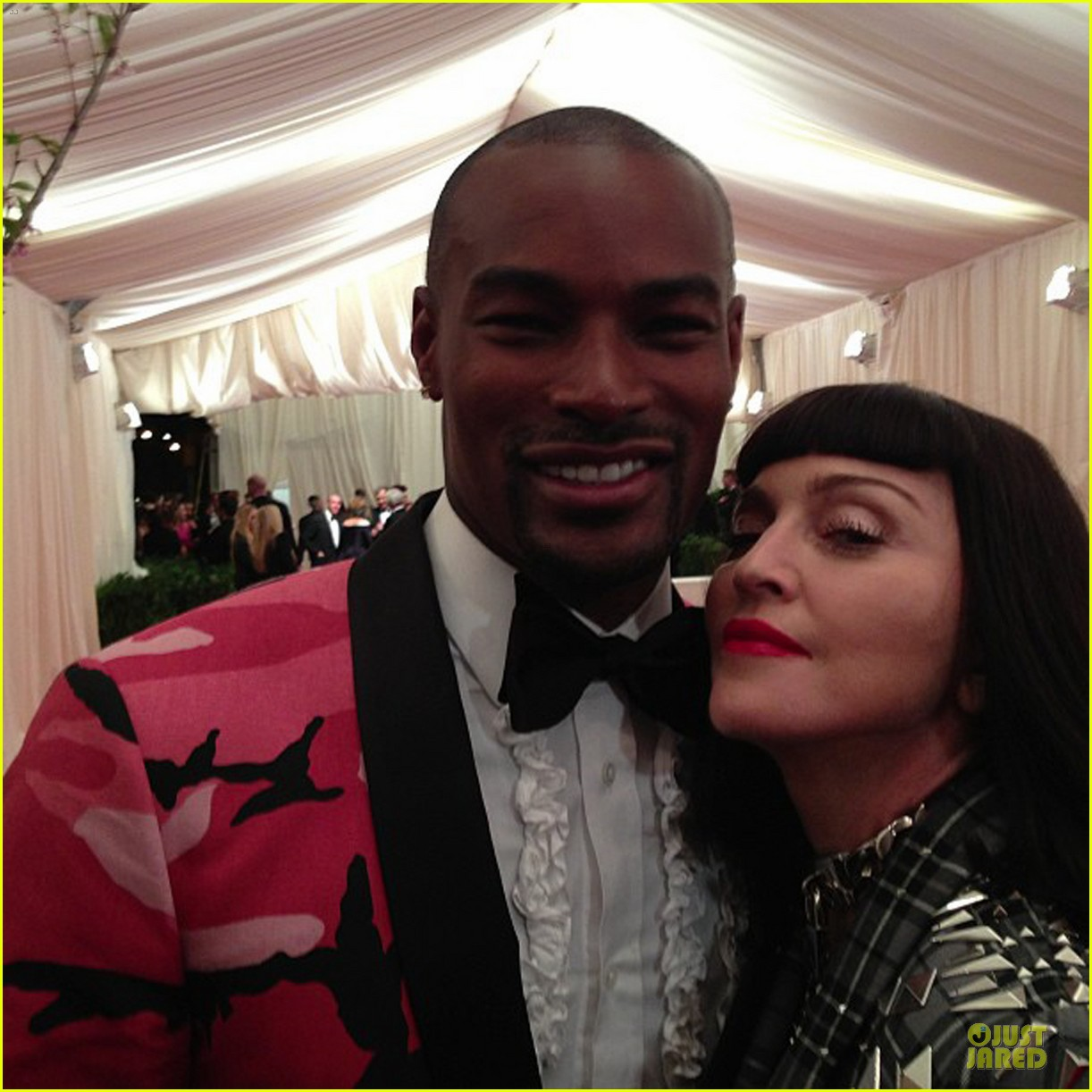pharrell tyson beckford met ball 2013 red carpet 042865684